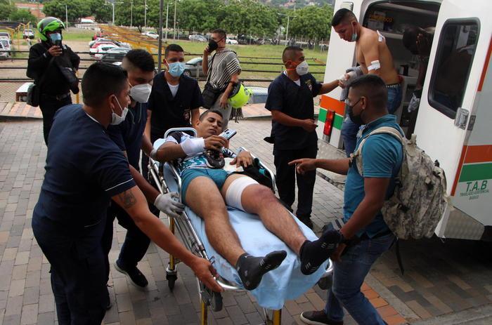 Colombia: autobomba contro base militare, 36 feriti ...