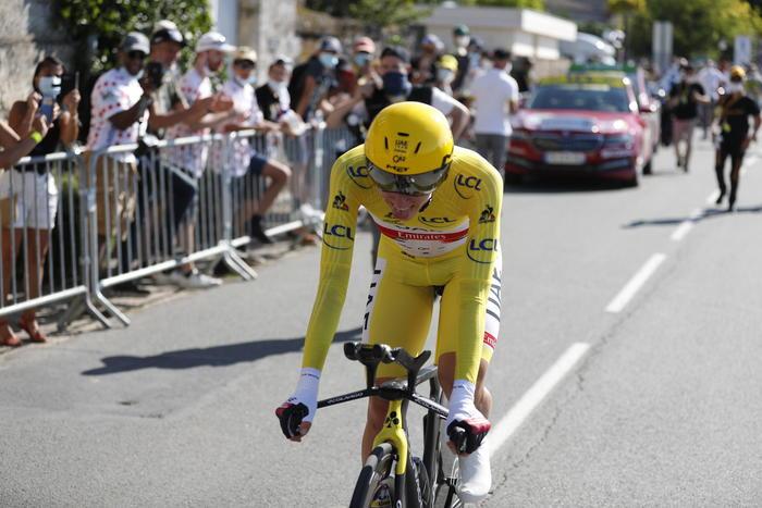 Tour: Van Aert vince 20/a, per Pogacar il trionfo è vicino