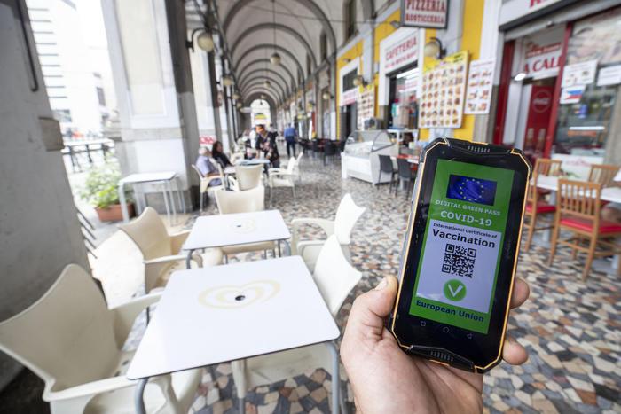 Verifiche e controlli, una app per leggere i Green pass