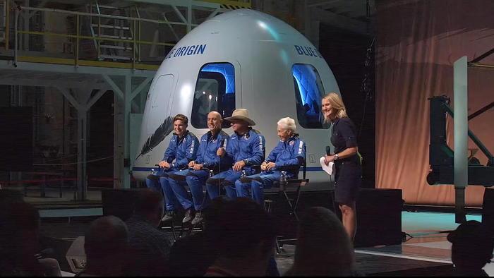 Usa: schiaffo a Bezos, nessuna violazione da Nasa con SpaceX