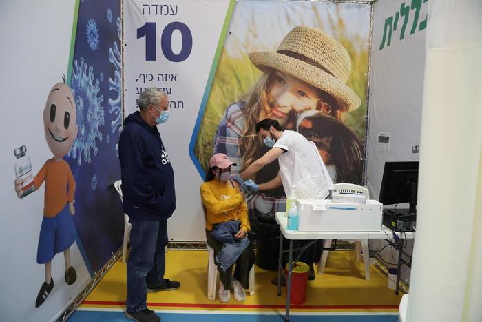Covid: Israele, da domenica terza dose agli over 60