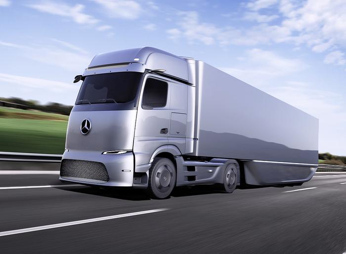 Daimler AG, via libera allo spin-off del settore truck e bus