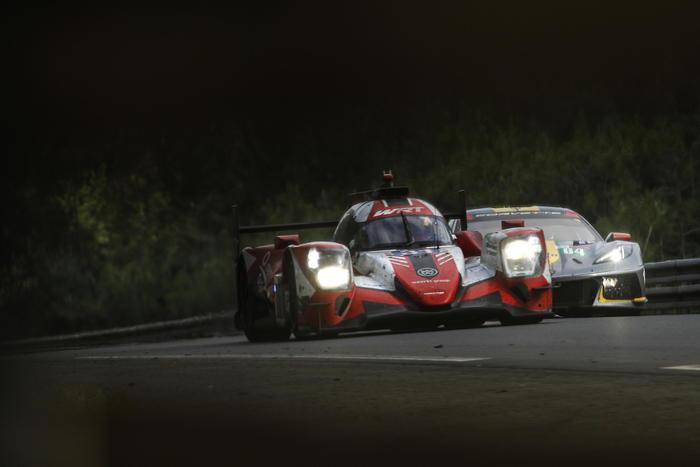 Doppietta Toyota alla 24 ore di Le Mans, bene le Ferrari