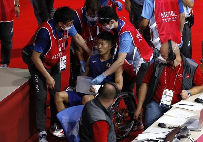 Tokyo: pugilato; giapponese vince e via in sedia a rotelle