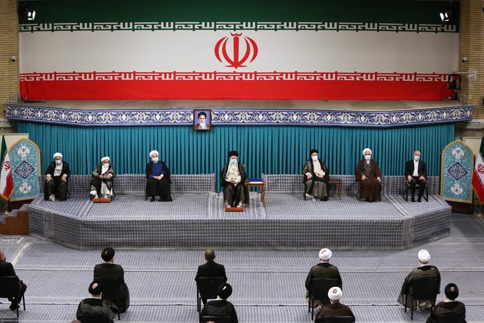 Iran: Ebrahim Raisi insediato alla presidenza del Paese