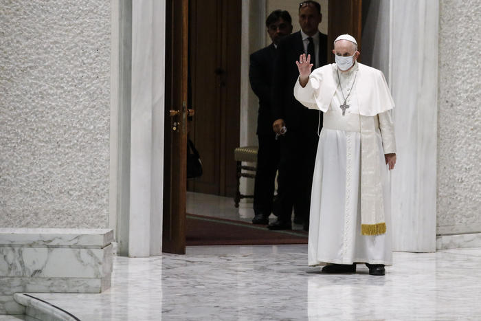 Papa: torna tra fedeli, ad un mese dall'intervento