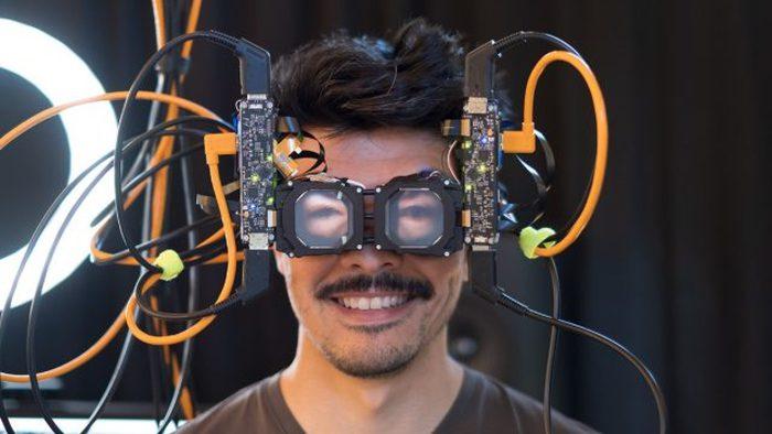 Facebook mostra gli occhialini VR con lo sguardo trasparente