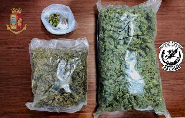 27-09-2021_blitz_antidroga_polizia_3_arresti_e_sequestrato_15kg_droga.html