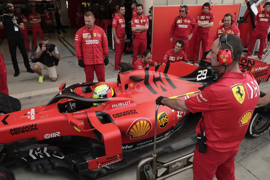 Mick Schumacher stupisce: battuto Hamilton