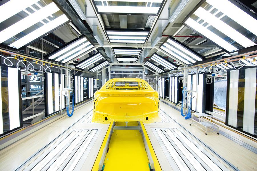 Lamborghini inaugura nuovo impianto verniciatura da 50 mln di euro