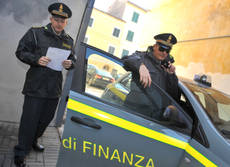 Naples police make massive tax-evasion sweep