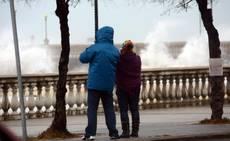 Vento forte e pioggia in Calabria, danni