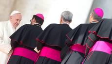 Papa:vescovi siano testimoni non manager