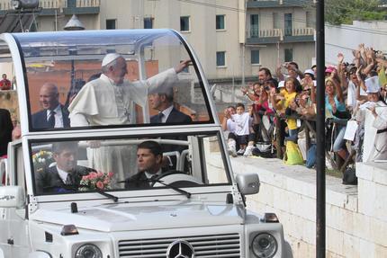 Il Papa a Cagliari, 'Il lavoro è dignità' - Speciali - ANSA.it
